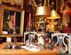 LE VILLAGE SUISSE. Antiquaires et Galeries d'Art de Paris.